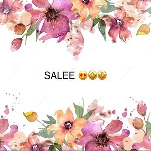 I am selling two beautiful floral designed pieces.